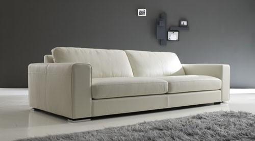 Nuove immagini del divano in pelle central small restyling for Divano pelle e tessuto